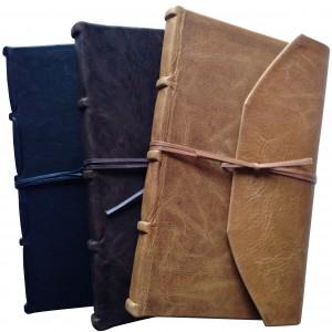handgemaakt-notitieboek-met-bruin-leren-kaft