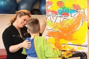 Zomerkind Antje met kunstenaar in de dop Stijn