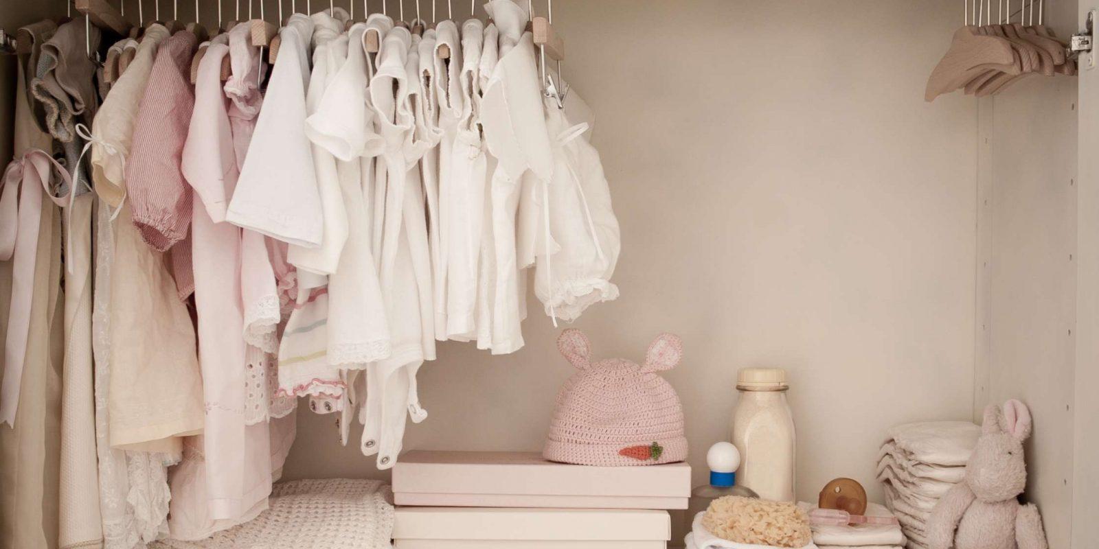 10 geheimen om de kast van je kind georganiseerd te houden